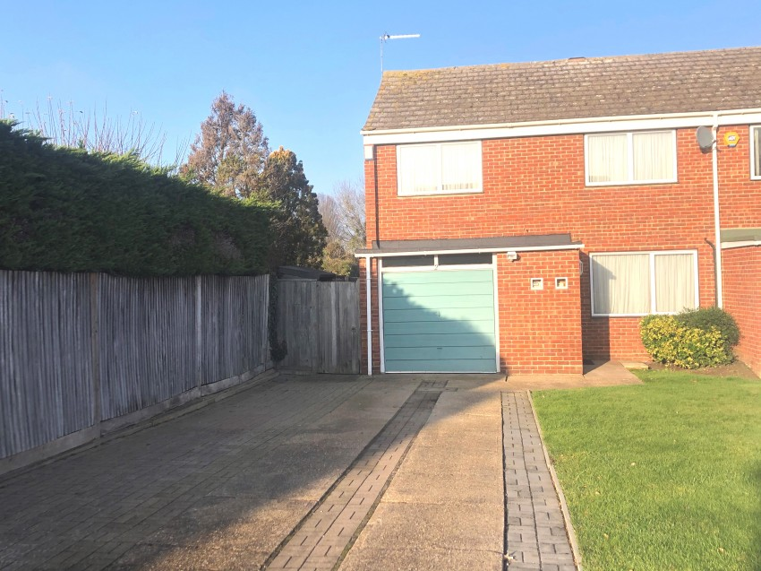 Images for Holly Crescent, Windsor EAID: BID:leytonsmith